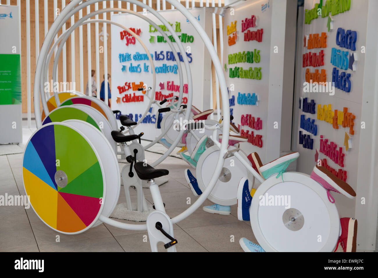 Kids Exhibition Booth : Kinder booth at expo milan with activities for young kids
