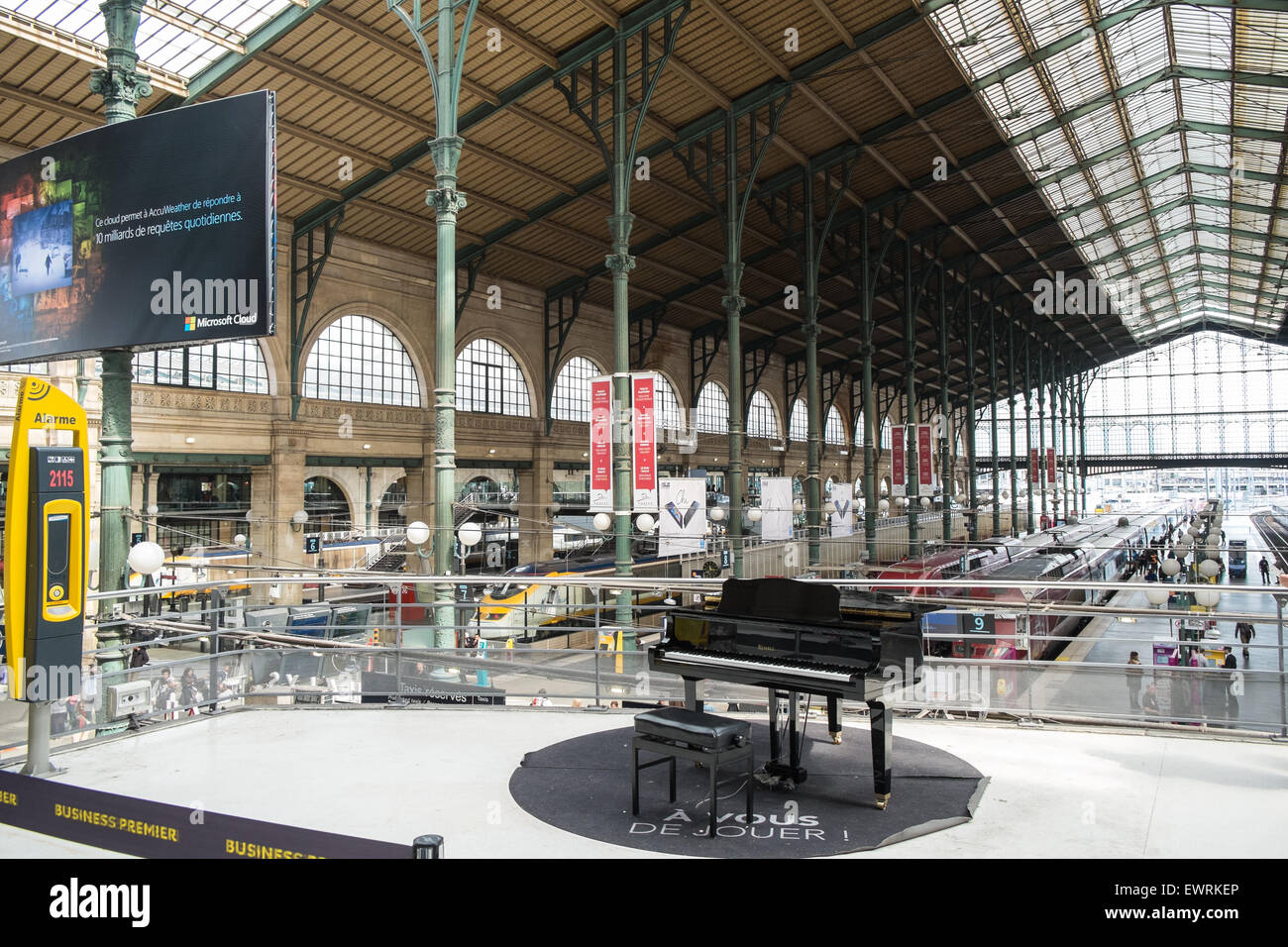 piano at gare du nord eurostar terminal train station paris france stock photo royalty free. Black Bedroom Furniture Sets. Home Design Ideas
