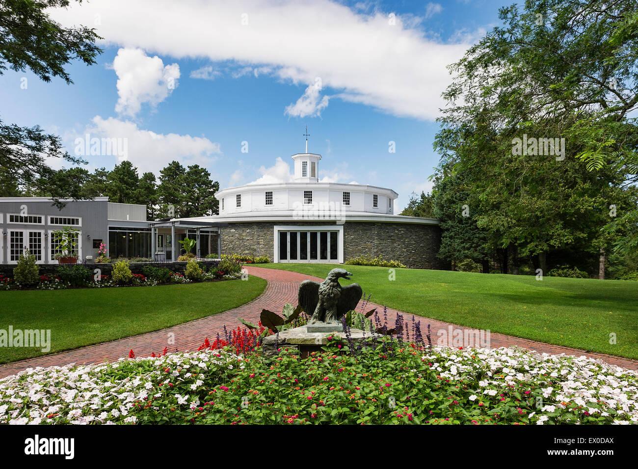 Herie gardens sandwich ma garden ftempo Heritage museum and gardens wedding