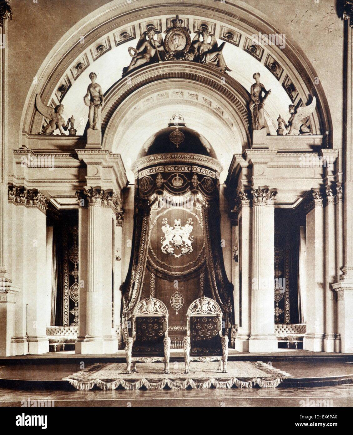 Throne room buckingham palace - Stock Photo Throne Room At Buckingham Palace In London 1935