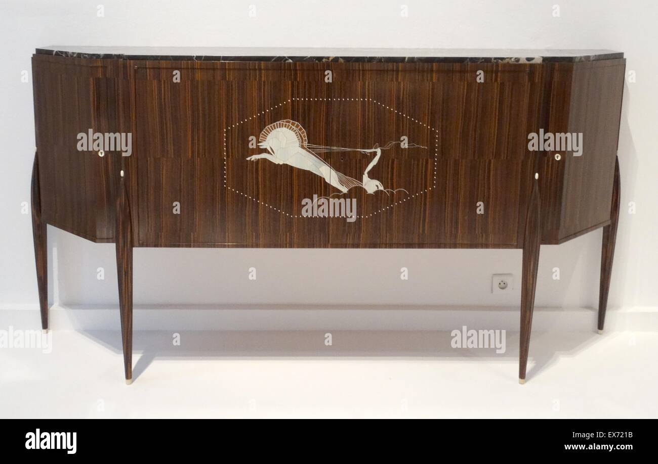 Interesting desserte dite meuble au char sideboard with an for Salle a manger but hanna