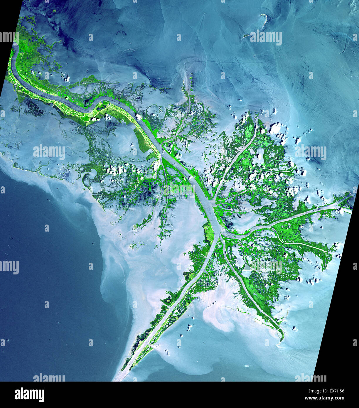 Satellite Image Of The Mississippi River Delta Enters The Gulf Of - Satellite mexico map