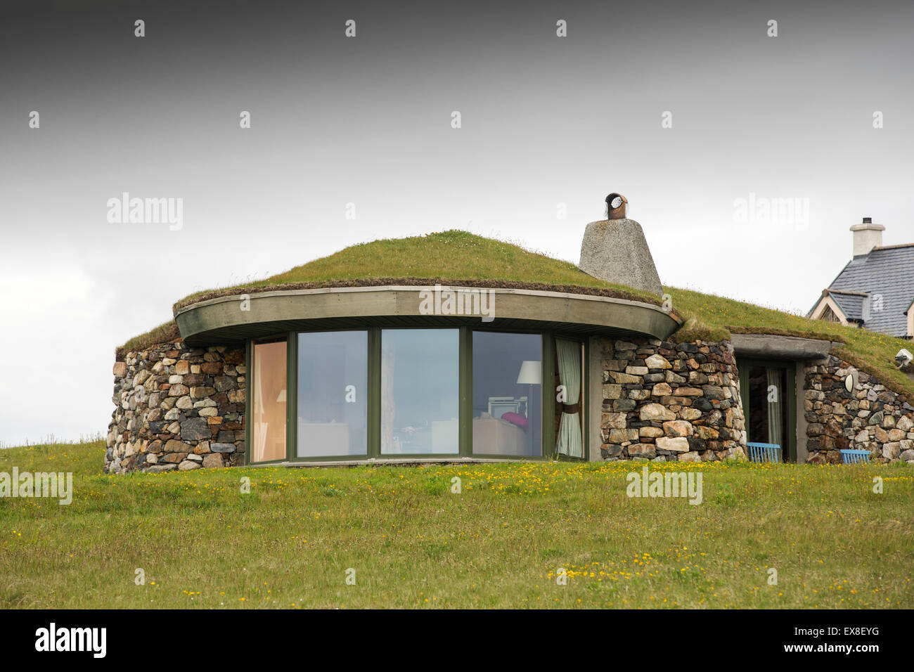 A modern green roofed house in scarista on the isle of Modern green home