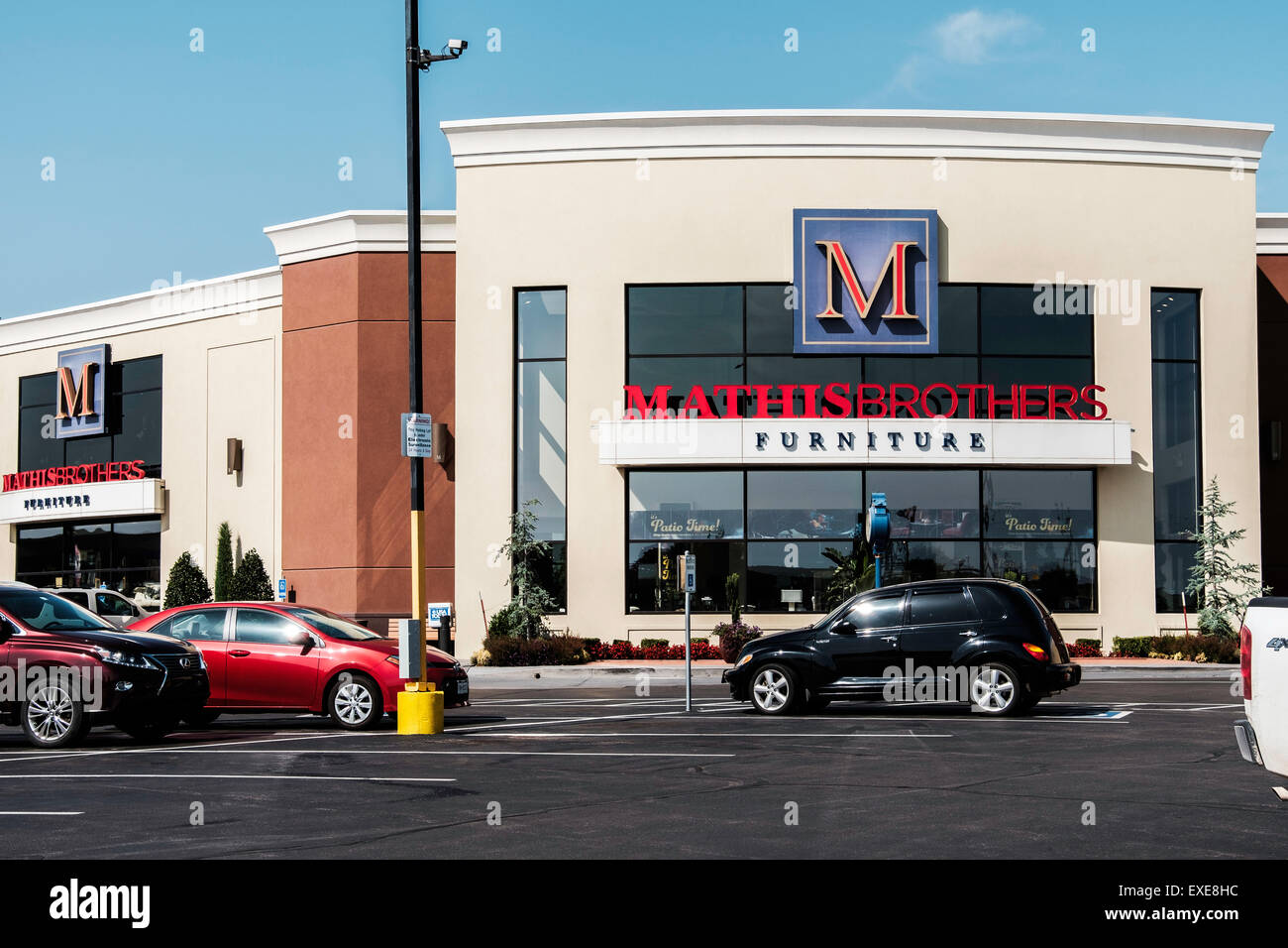 Stock Photo   The Exterior Front Of Mathis Brothers Furniture Store In Oklahoma  City, Oklahoma, USA