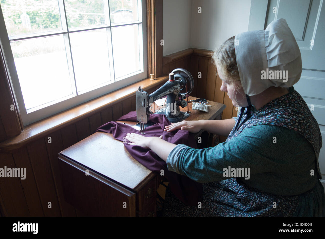 Mennonite Furniture Kitchener Mennonite Woman Stock Photos Mennonite Woman Stock Images Alamy