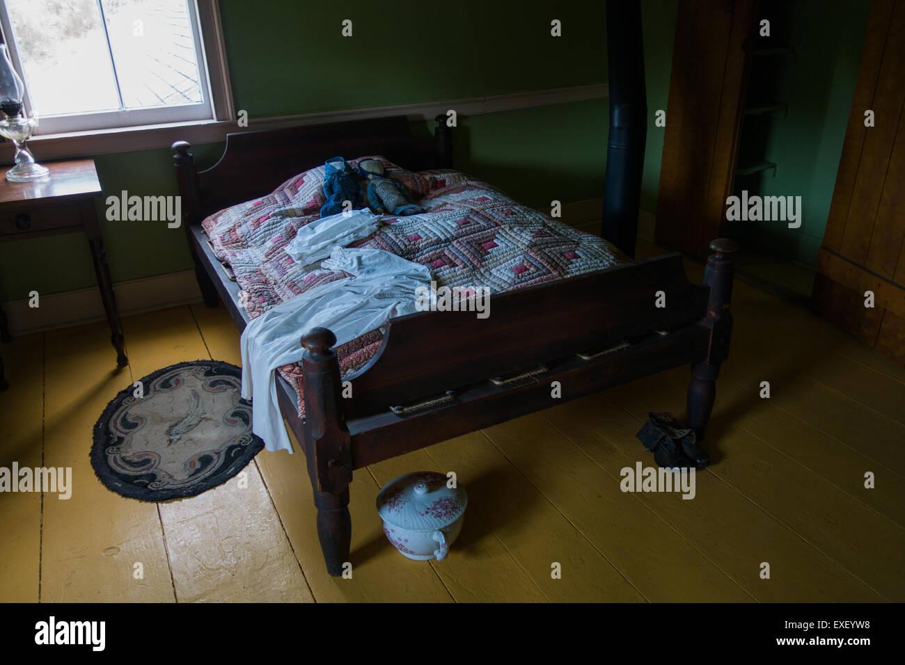 Mennonite Furniture Kitchener Mennonite Bedroom Camber Pot Master Piss Pot Potty Vintage Stock