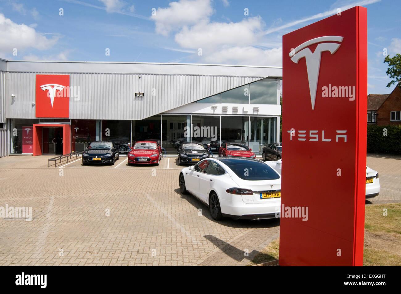Tesla Car Dealers 28 Images Tesla Breaks Into The