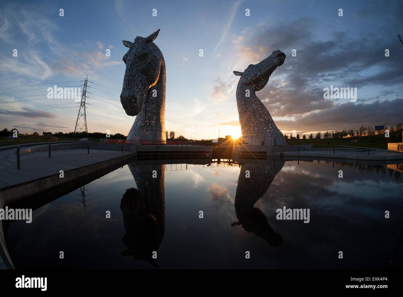 the-kelpies-sculpture-at-sunset-falkirk-