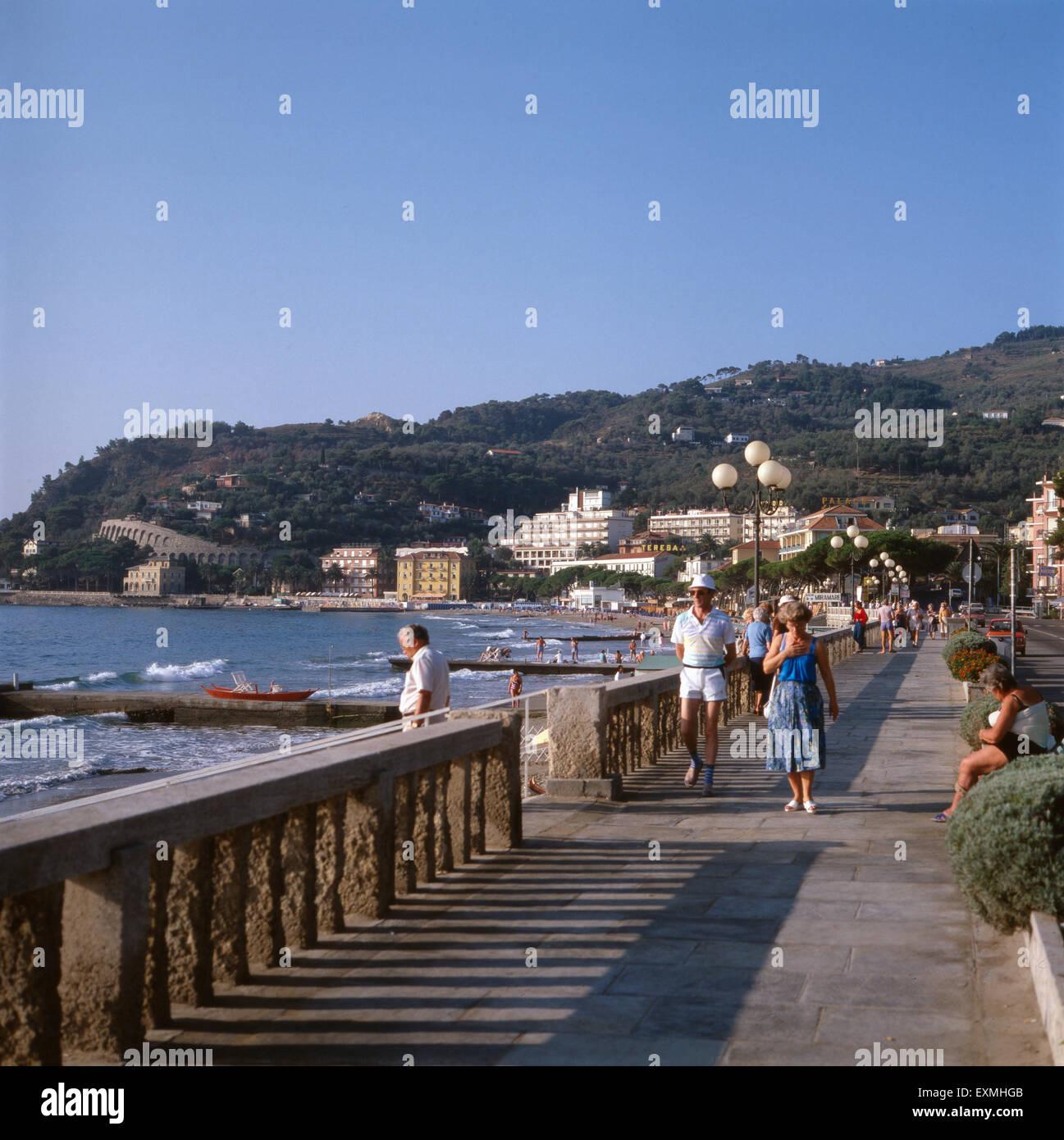urlaub in diano marina an der italienischen riviera ligurien stock photo royalty free image. Black Bedroom Furniture Sets. Home Design Ideas