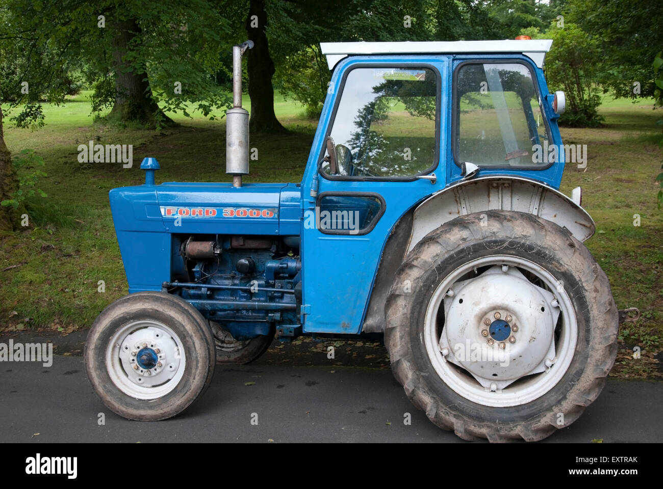 Ford 3000 Farm Tractor : Blue white ford series farm tractor stock