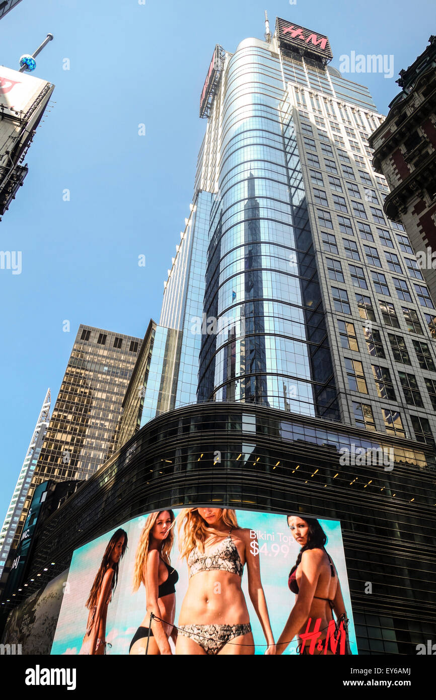 the cond nast building 4 times square building office tower stock photo royalty free image. Black Bedroom Furniture Sets. Home Design Ideas