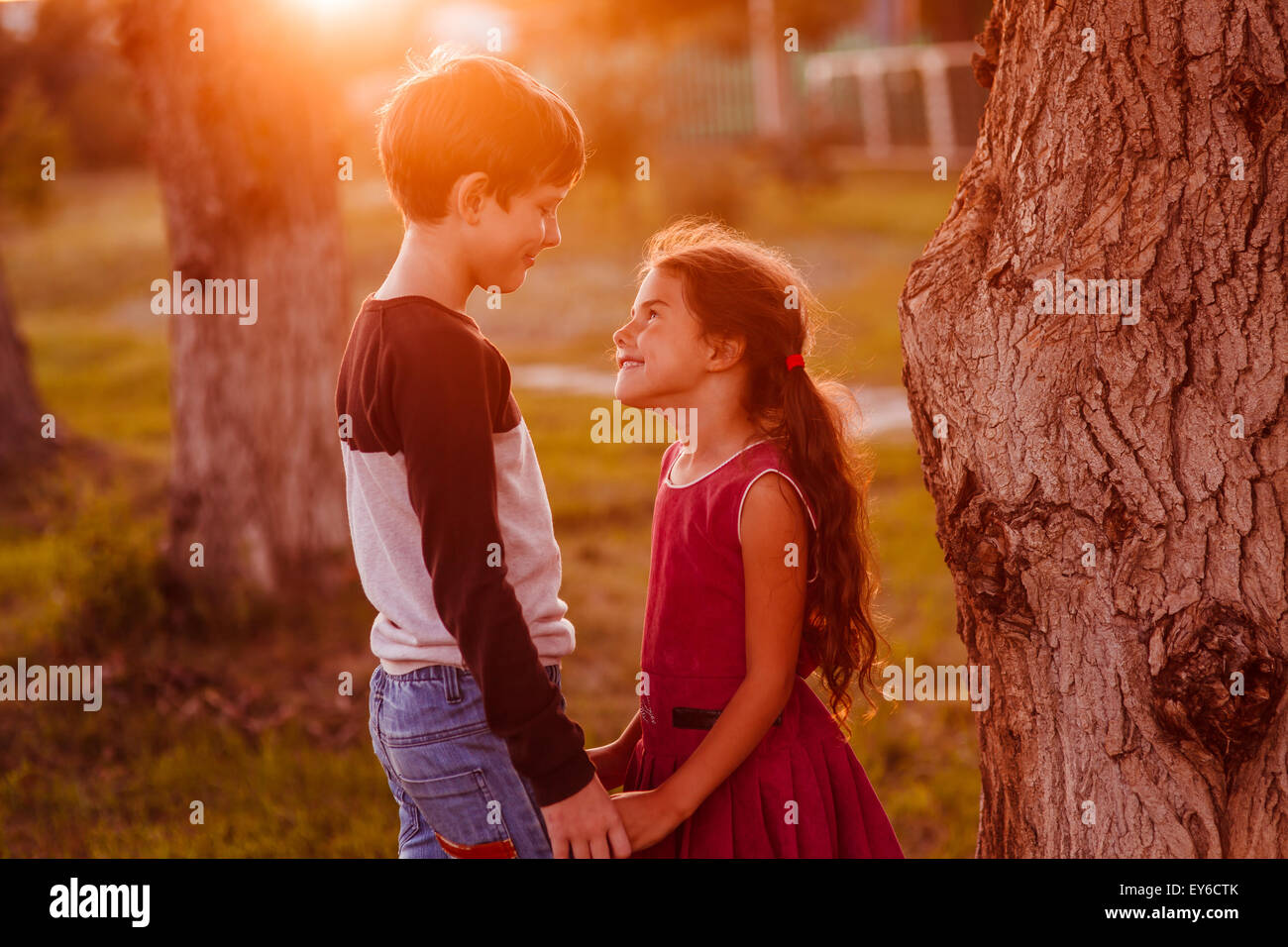 dating friendship love A romantic friendship or passionate friendship is a very close but typically non-sexual  casual dating courtly love cross-sex friendship dating emotional affair.