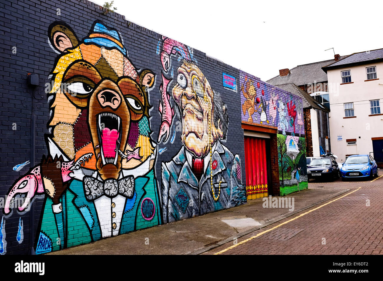 Graffiti wall uk - Graffiti Art On A Wall In Sunderland Uk Depicts A Bear And A Man