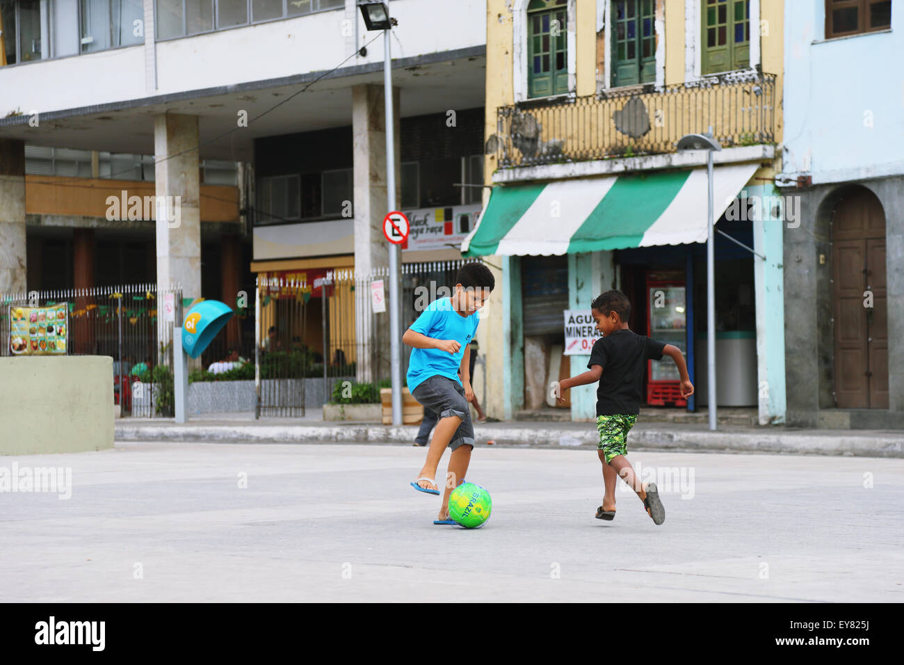 kids playing soccer brazil stock photos u0026 kids playing soccer