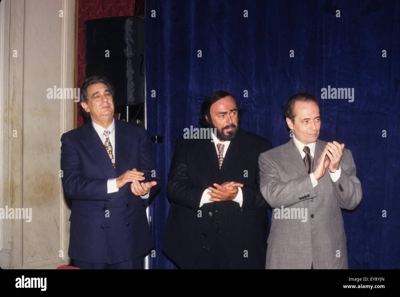 LUCIANO PAVAROTTI with Jose Carreras and Placido Domingo.The 3 ...