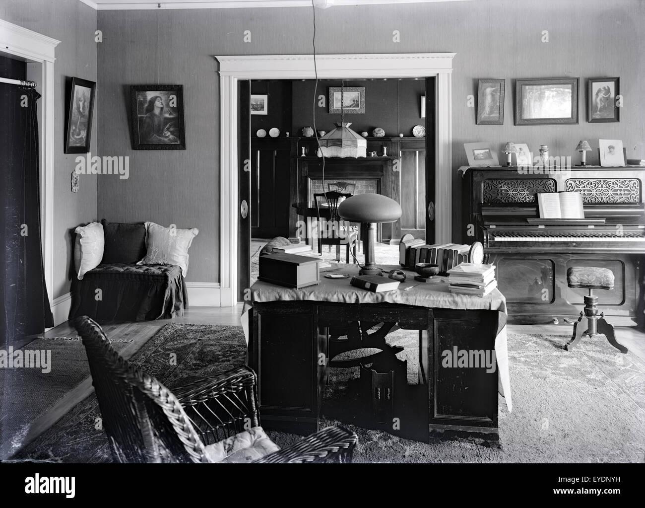 Antique C1910 Photograph Of A Late Victorian Circa 1910s