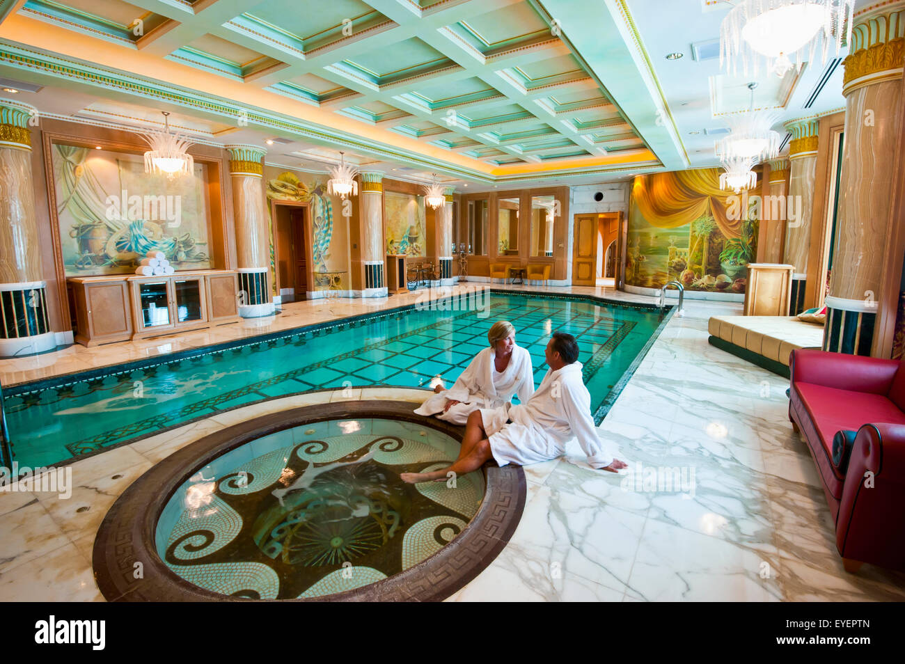 Private swimming pool in the royal suite of the empire for Private swimming pool