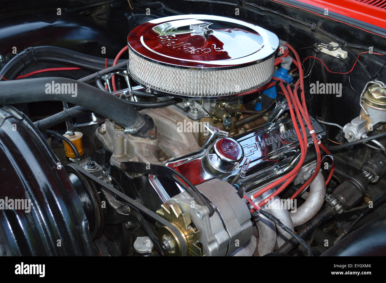 "chevrolet s small block engine The small block chevy engine wasn't the first v8 engine heck, it wasn't even chevrolet's first v8 engine (chevy's ""series d"" v8 engine was offered from 1917-'19)."