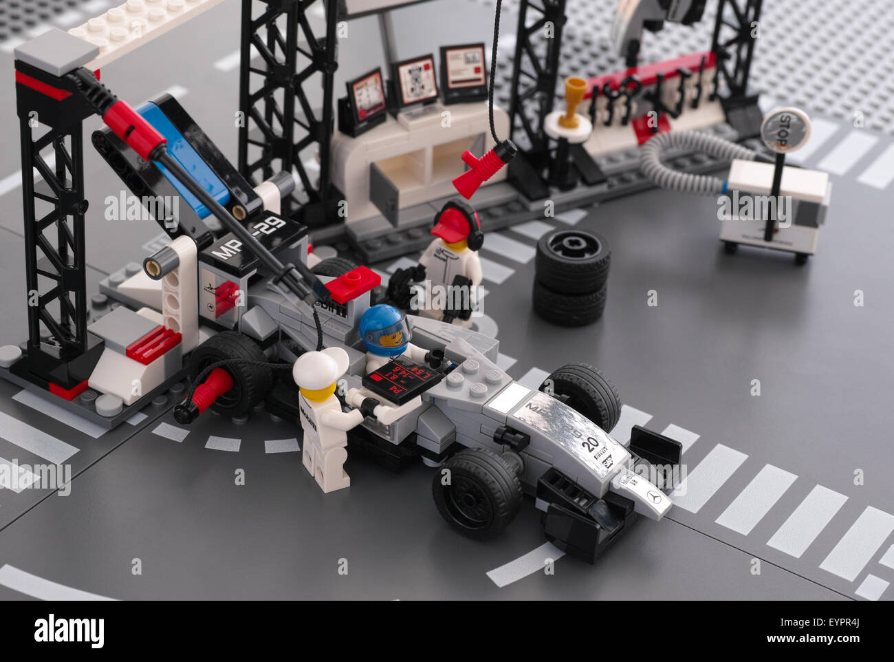 100 lego speed champions 2017 lego release new lego speed champions game into the windows. Black Bedroom Furniture Sets. Home Design Ideas