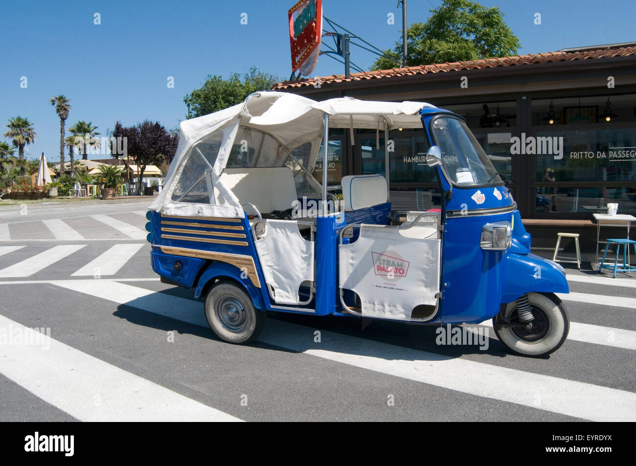 piaggio ape stock photos & piaggio ape stock images - alamy