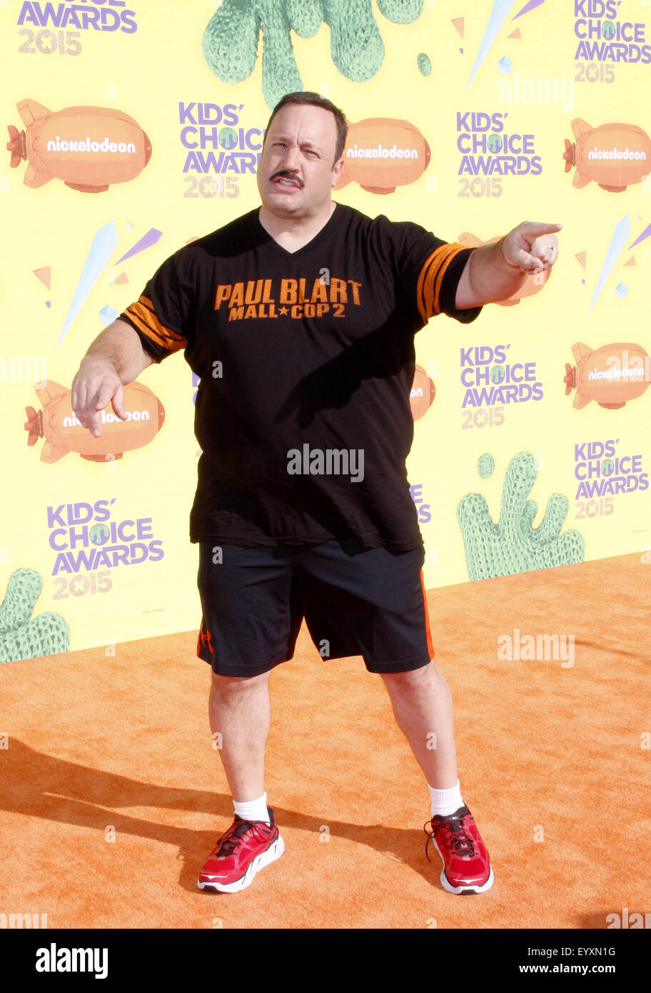 Kevin james at the nickelodeon 39 s 28th annual kids 39 choice for How many kids does kevin james have