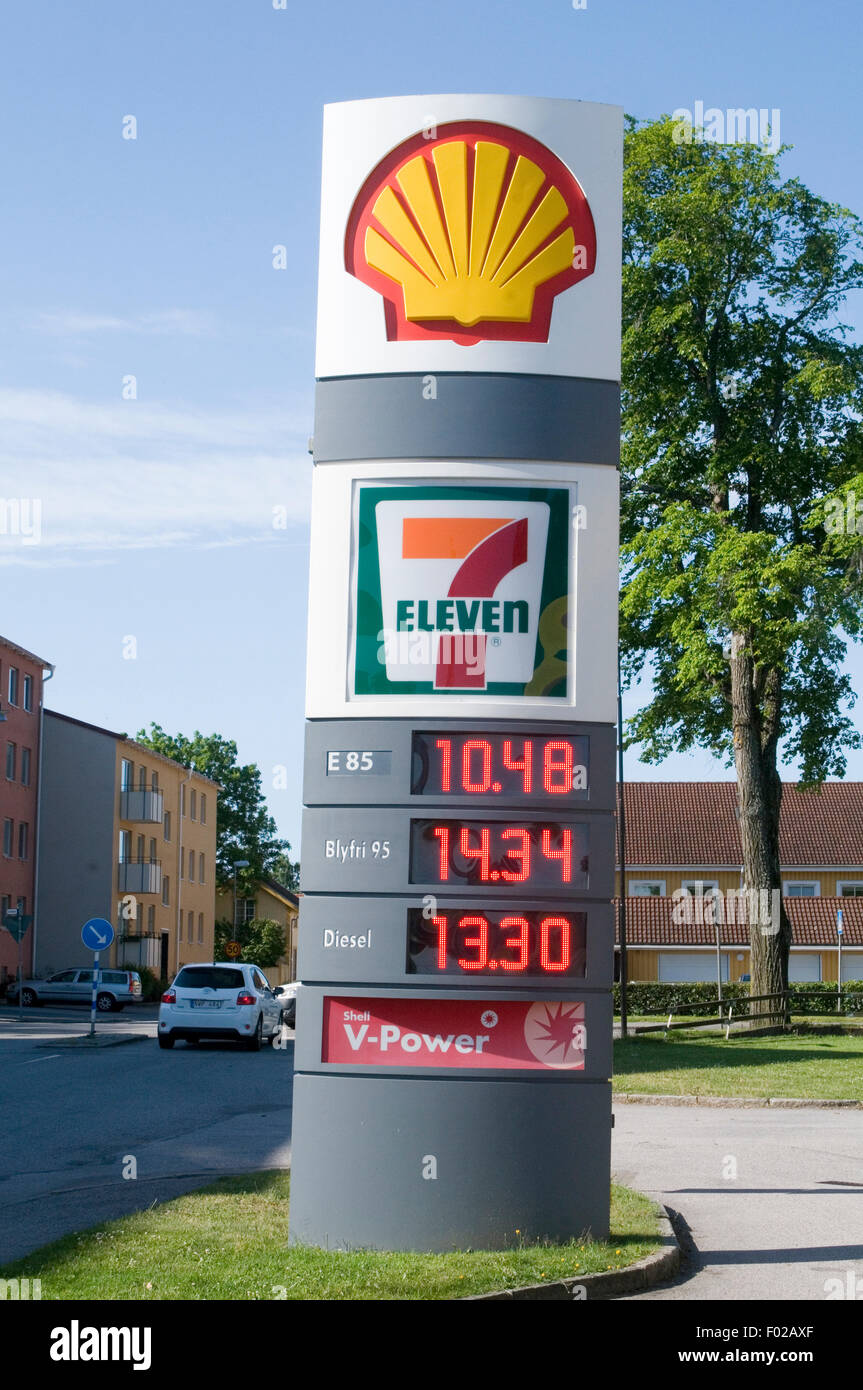 E85 Gas Stations >> shell petrol gas station stations filling garage 7 eleven 11 seven Stock Photo, Royalty Free ...
