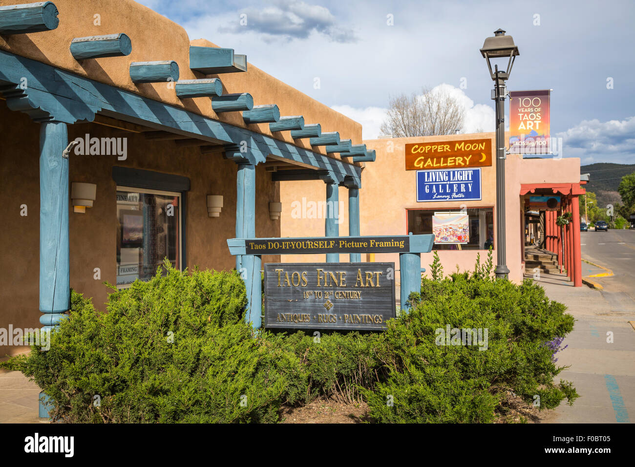 Shops and stores in taos new mexico usa stock photo 86312133 alamy shops and stores in taos new mexico usa solutioingenieria Images