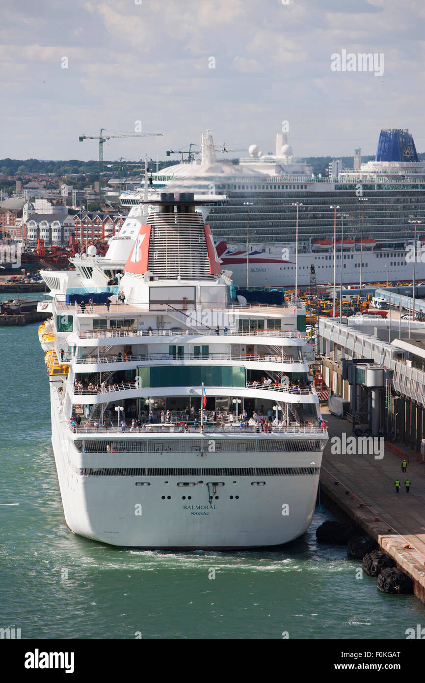 MV Balmoral Cruise Ship Owned And Operated By Fred Olsen Cruise - Balmoral cruise ship schedule