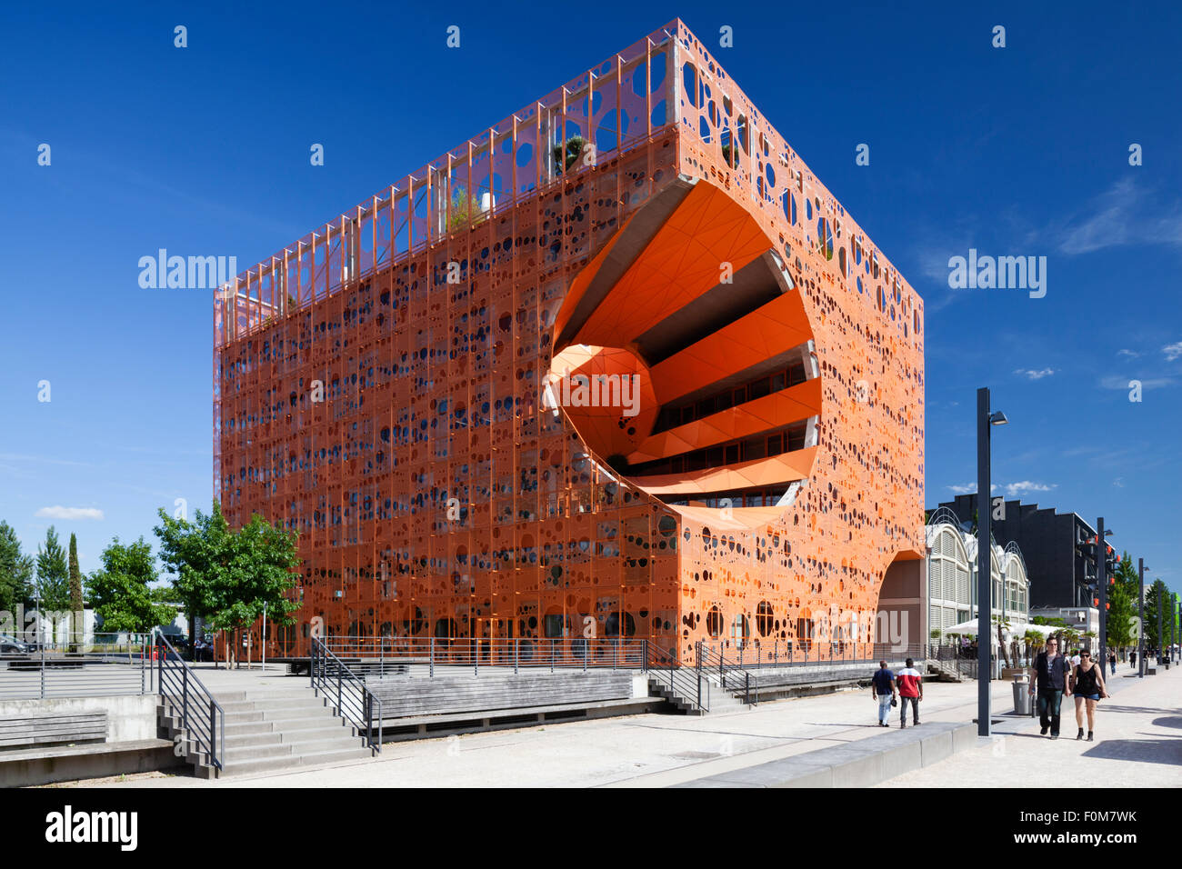 the orange cube le cube orange building in the la. Black Bedroom Furniture Sets. Home Design Ideas
