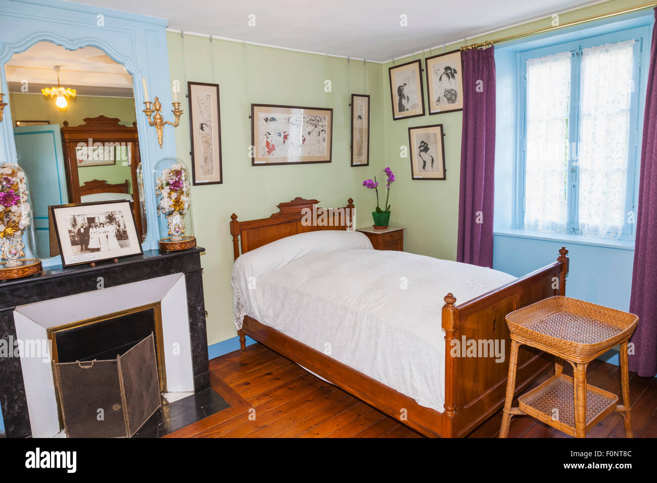 france normandy giverny monets garden monet 39 s house alice 39 s stock photo royalty free image. Black Bedroom Furniture Sets. Home Design Ideas