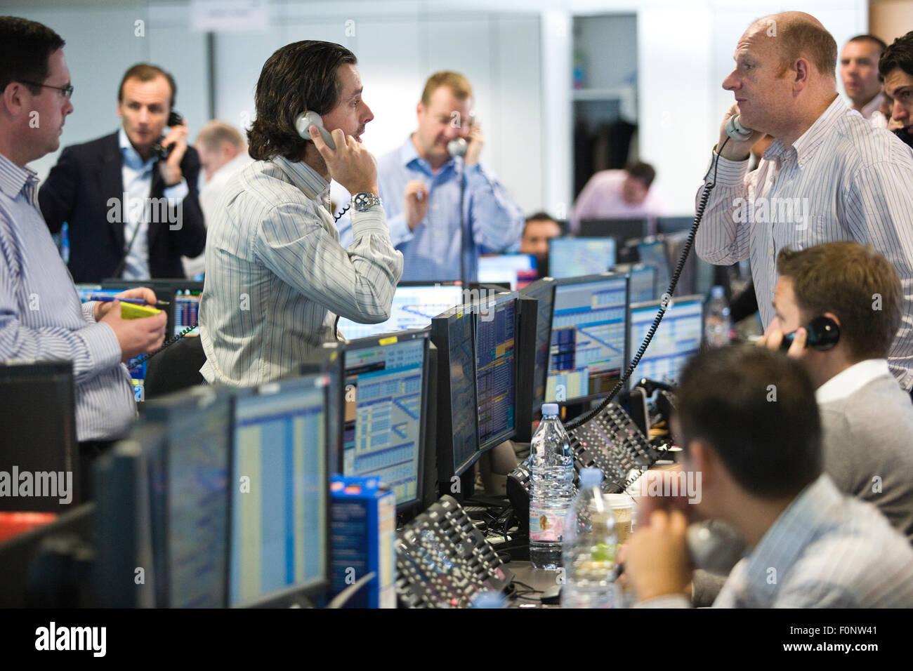 777 binary option dictionary binary trading brokers