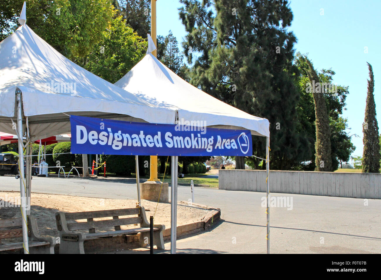 Designated smoking area & Designated smoking area Stock Photo: 86578895 - Alamy