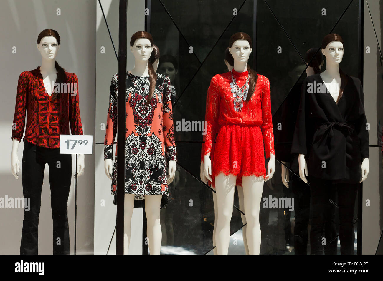 Mannequin in H&M clothing store window display - USA Stock ...