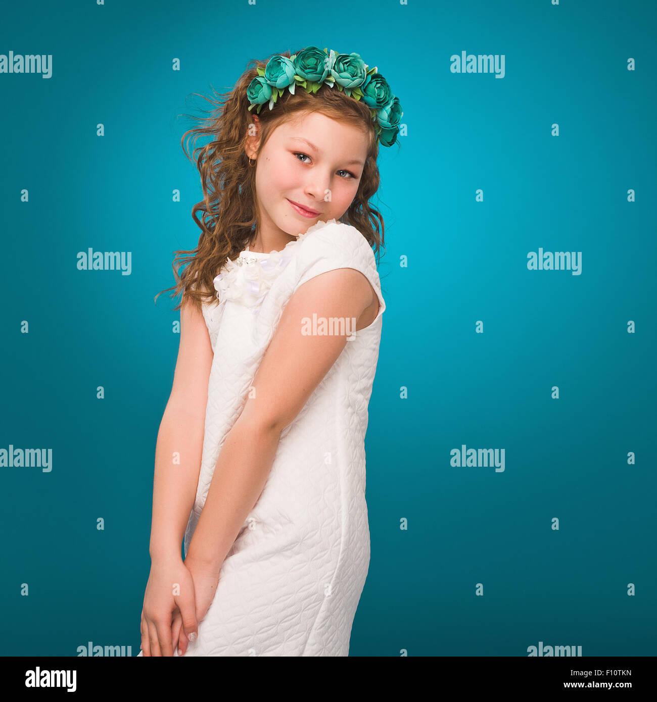 Cute teen girl nonude