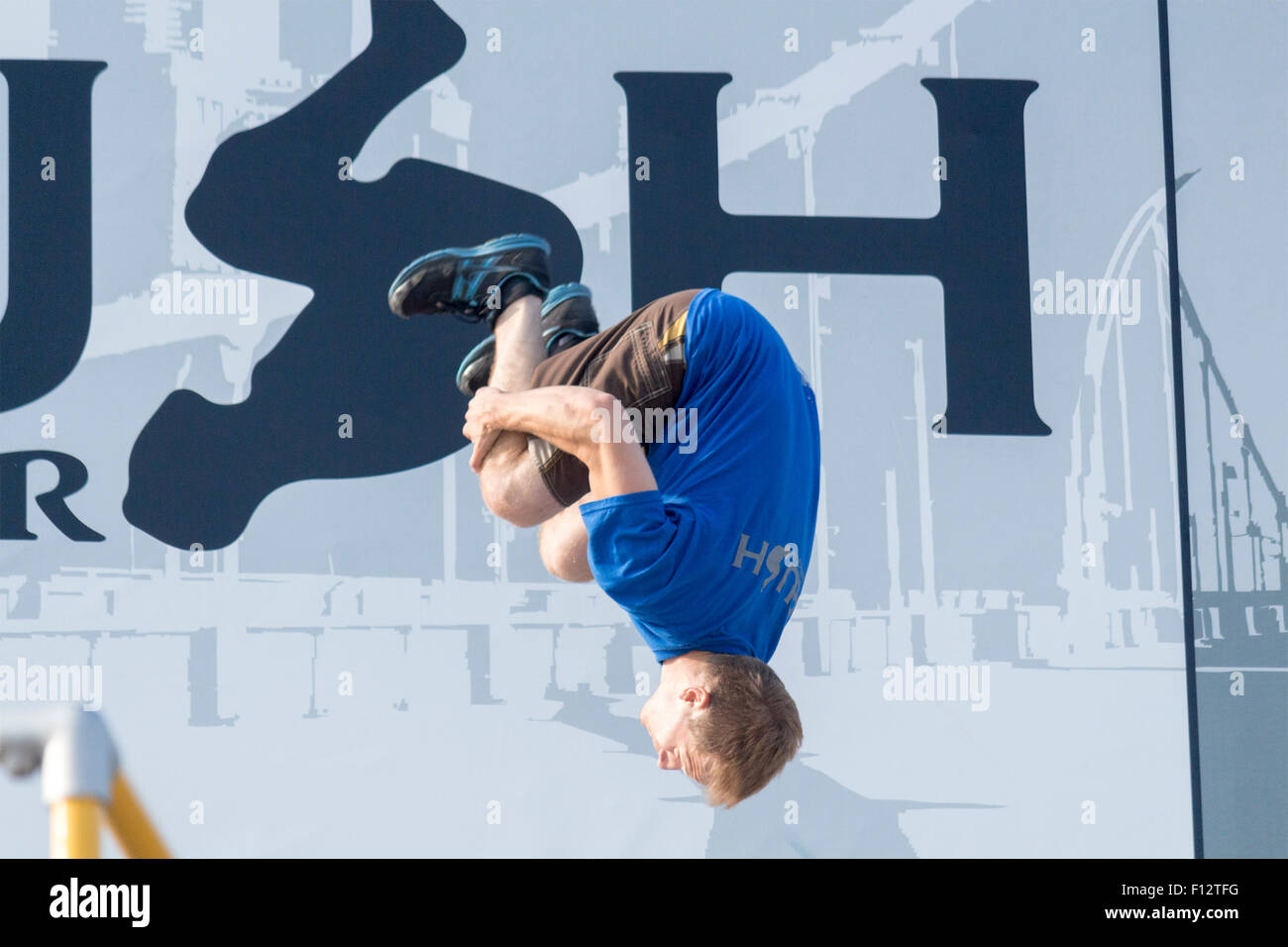 the-acrobatic-team-rush-parkour-performs