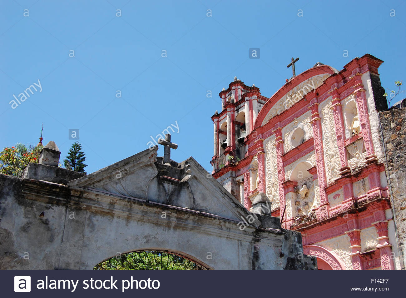 Street Shot Cuernavaca Mexico Looking At The Church Tercera Orden Chapel Historic Mexican Architecture