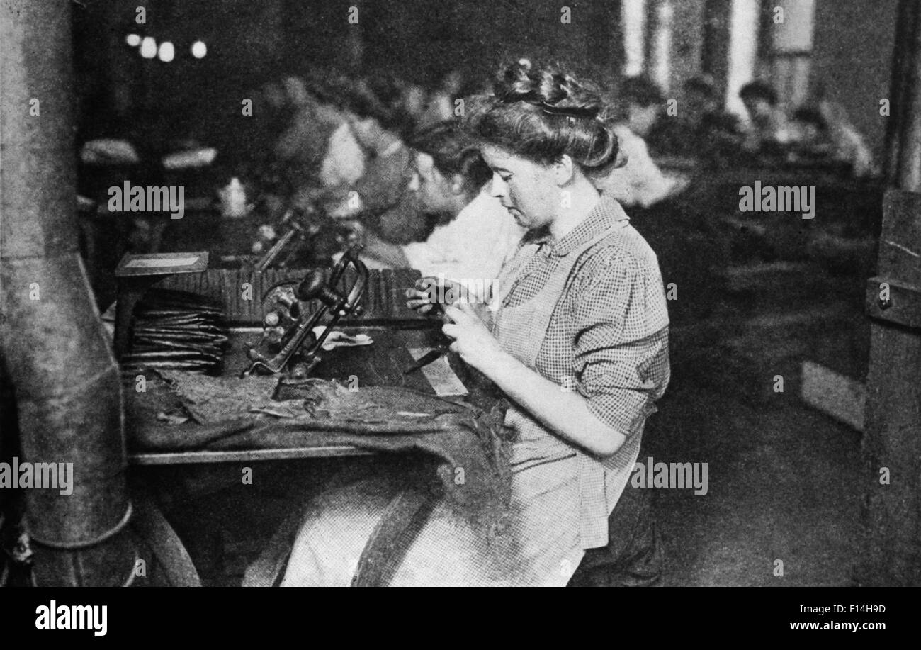 http://c8.alamy.com/comp/F14H9D/1900s-1909-women-factory-workers-pittsburgh-pennsylvania-usa-F14H9D.jpg American