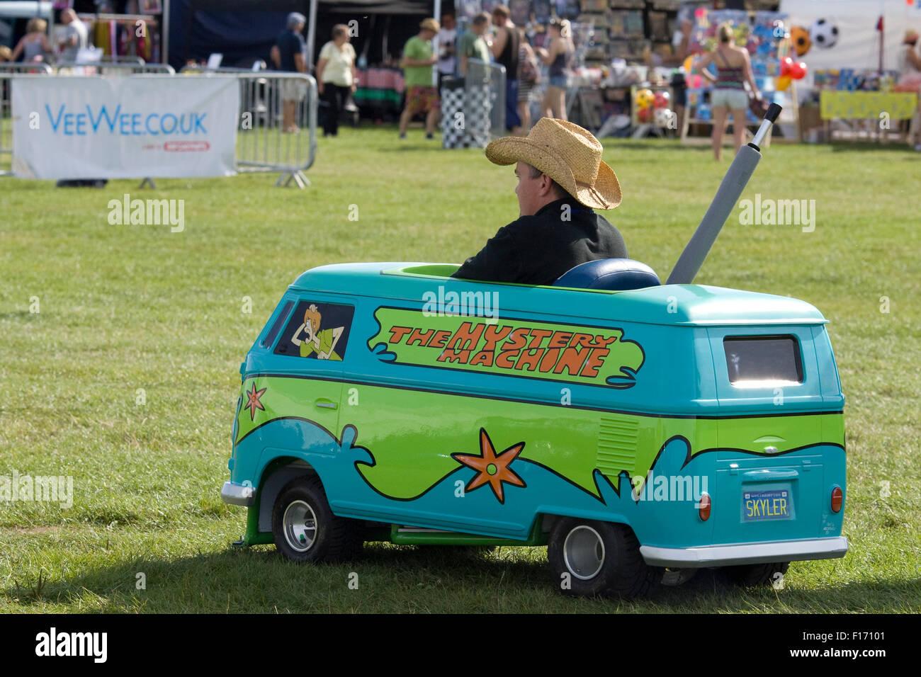 Mystery Machine Van Stock Photos & Mystery Machine Van Stock ...