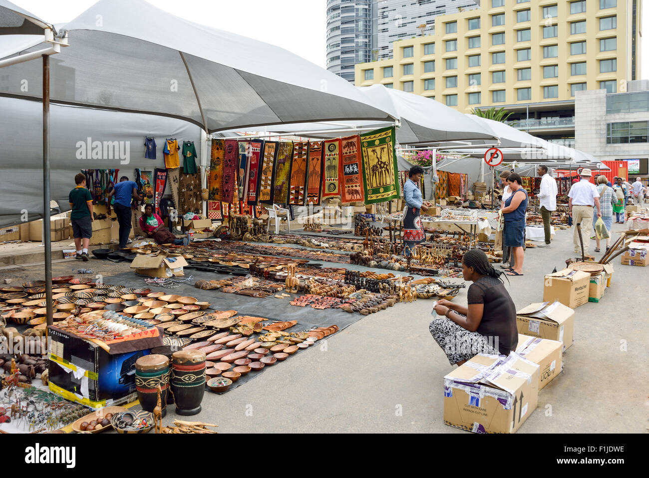 African arts and crafts street market independence avenue for Arts and crafts industry