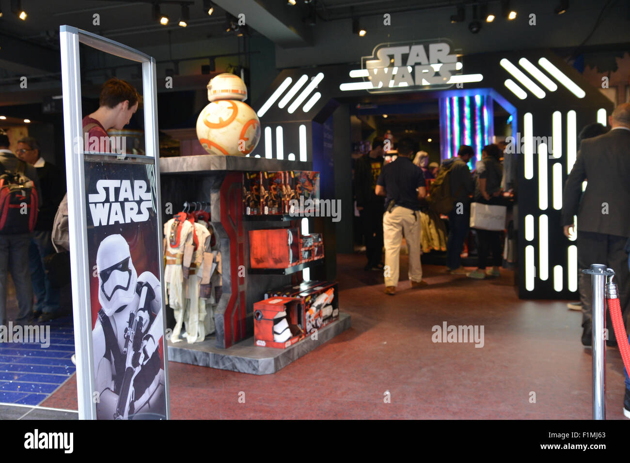 force friday star wars toys disney store london 4th september 2015 stock photo royalty free. Black Bedroom Furniture Sets. Home Design Ideas