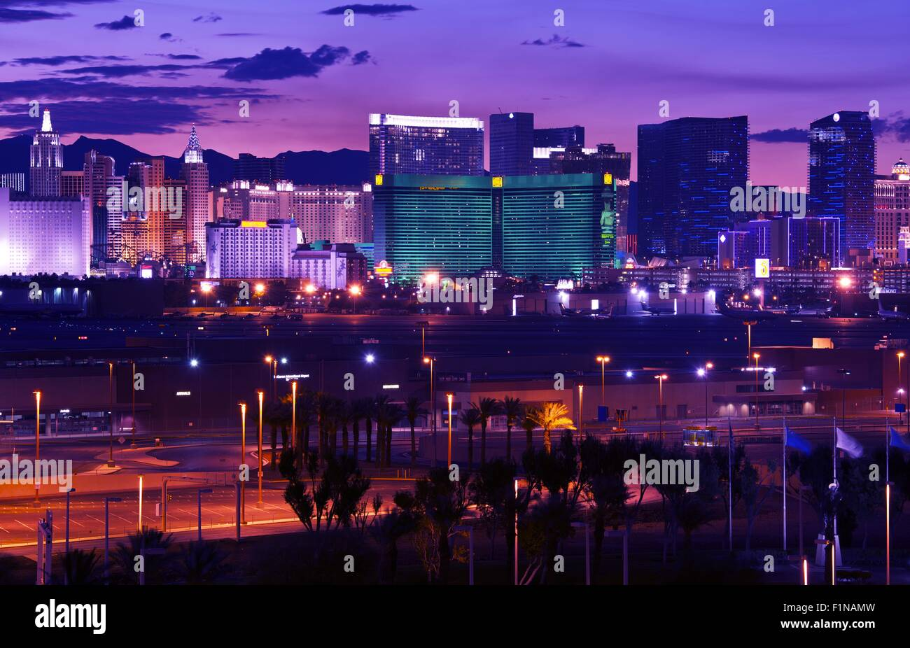 Las Vegas Vages Strip At Night Panorama Famous Cities Photo - Famous cities in usa