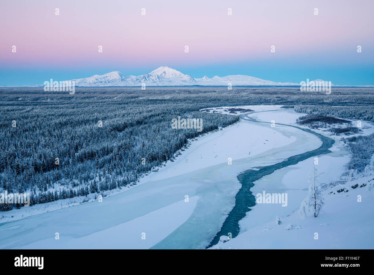 alaska wrangell mountains copper river valley stock photo royalty free vector images royalty free vector stock