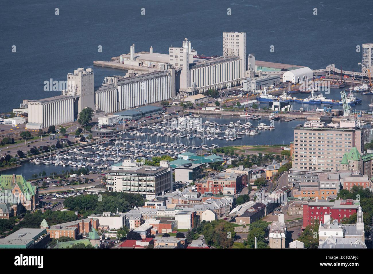 Marina du port de quebec and the bunge grain silos are for Porte quebec