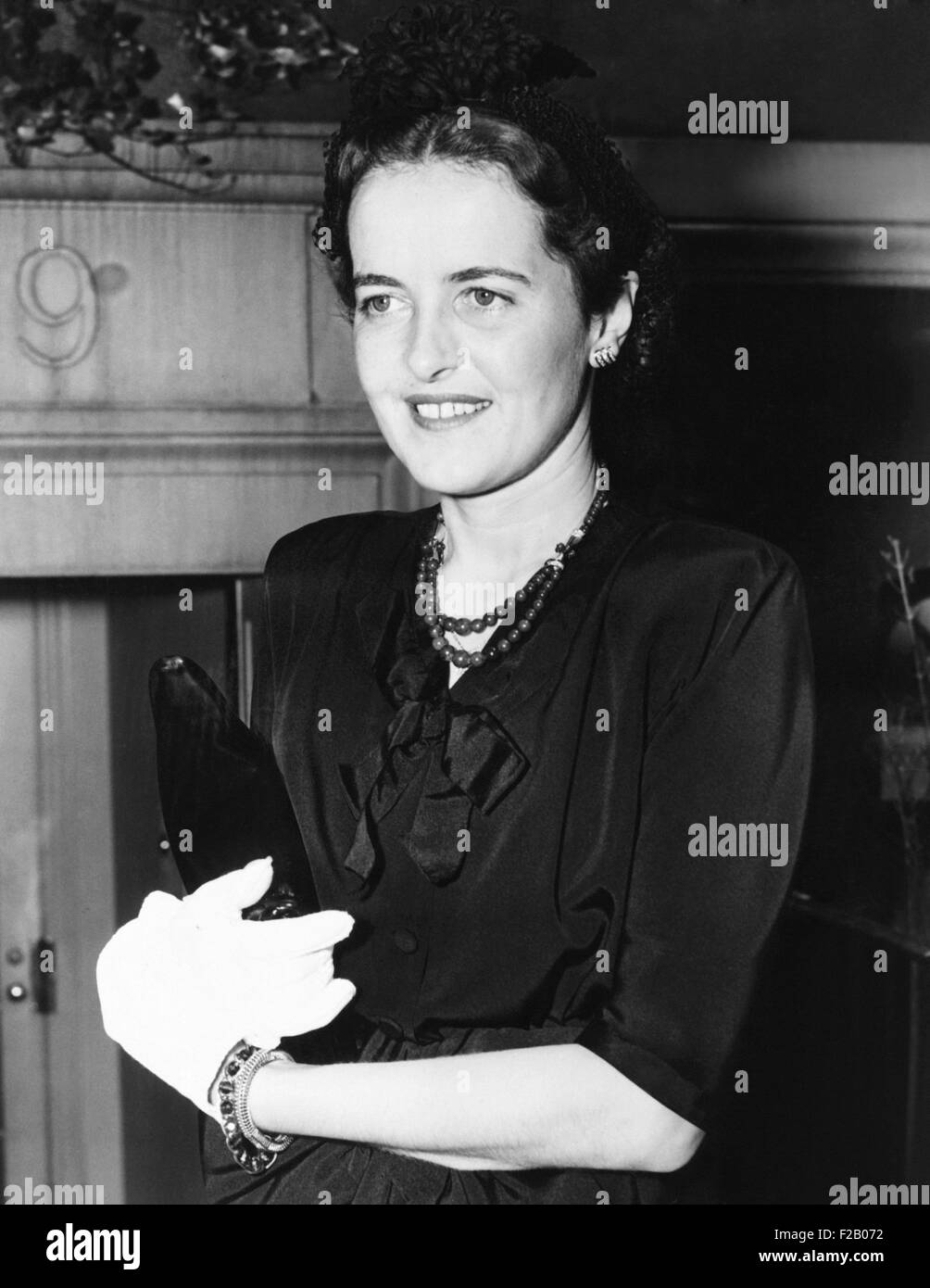 Louise Black and White Stock s & Alamy