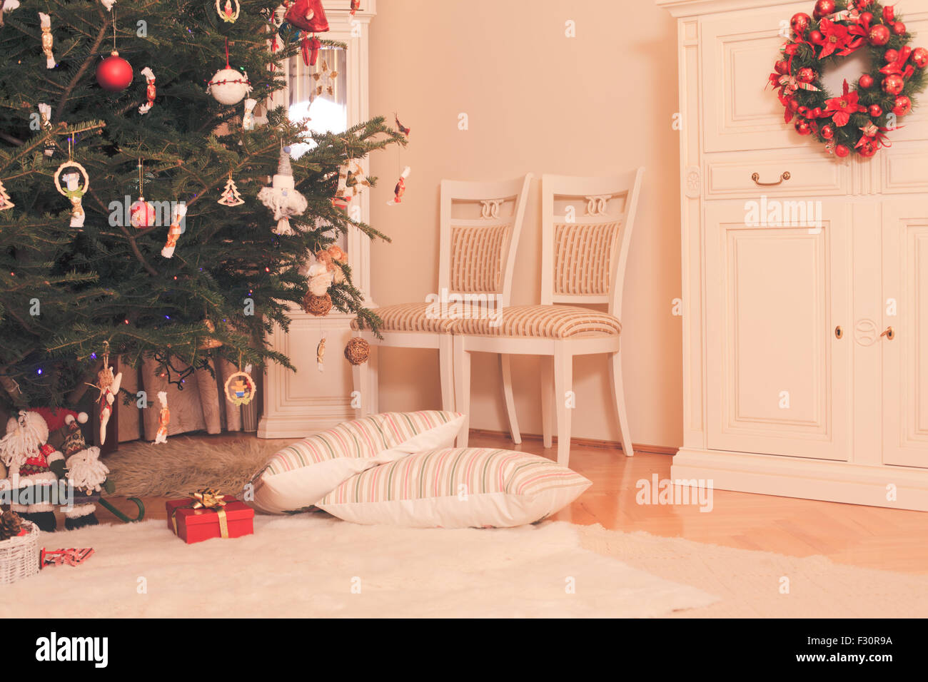 Christmas Tree In Living Room Stock Photo Royalty Free Image 87914102 Alamy