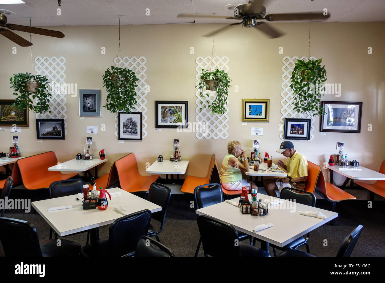 Stuart Florida Alices Family Restaurant Inside