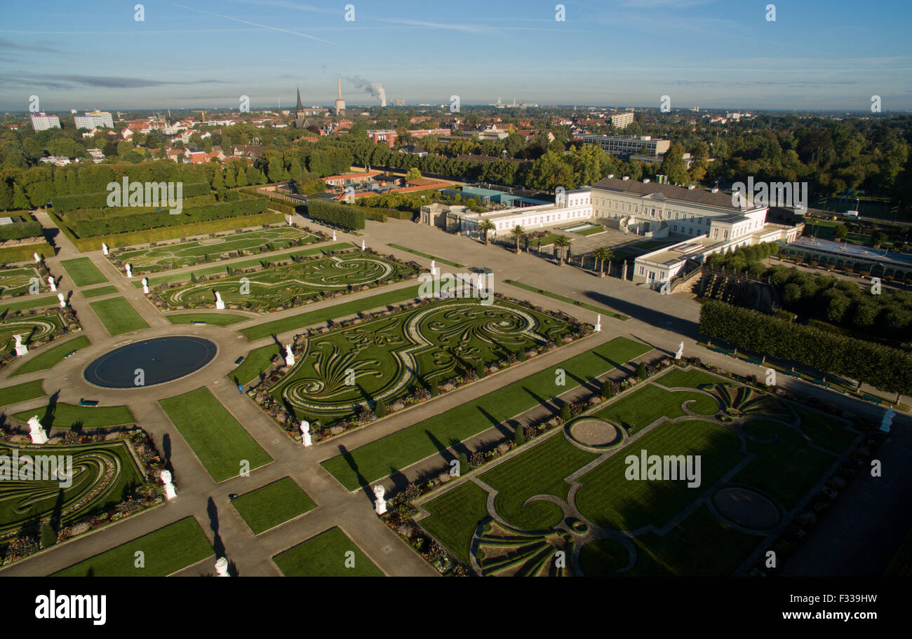 29th sep 2015 schloss herrenhausen palace and the large garden of the herrenhausen gardens in hanover germany 29 september 2015 - Large Garden 2015
