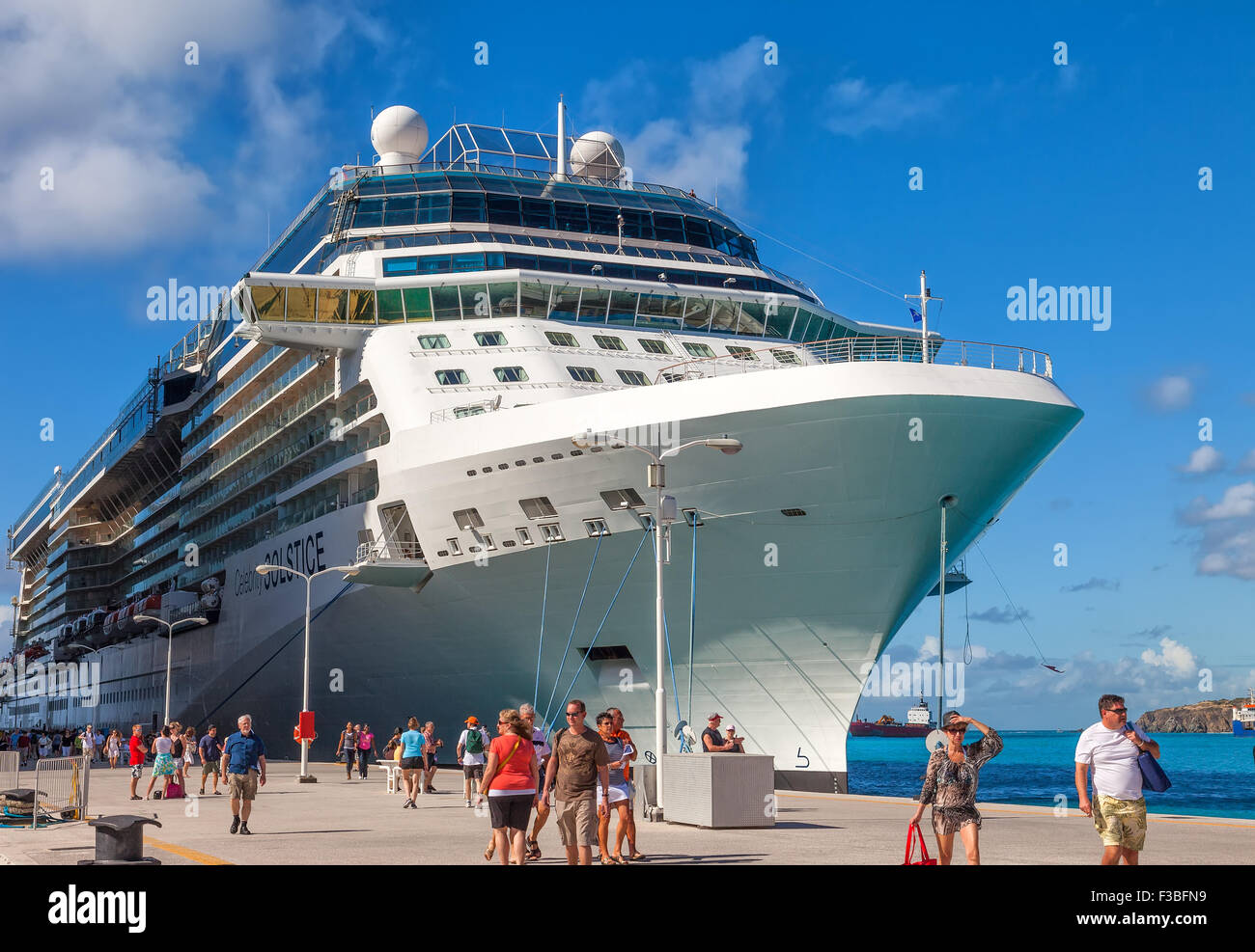 Cruise Ship Passengers Travel To And From Many Of The Cruise Ships - How many cruise ships are there