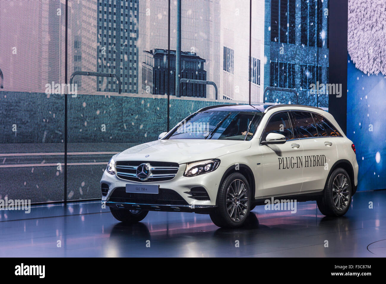 mercedes benz glc 350 e plug in hybrid at the iaa international motor stock photo 88165720 alamy. Black Bedroom Furniture Sets. Home Design Ideas
