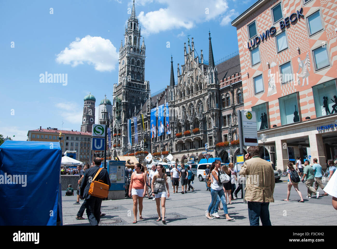 munich germany july 07 marienplatz in munich in sunny day on stock photo royalty free image. Black Bedroom Furniture Sets. Home Design Ideas